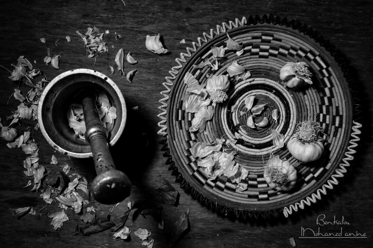 TRADITIONNEL..   There are many things that do not separate us because we did not find a substitute for them then we claim fulfillment  #photoshot  #stilllife  #photographs  #liking  #follow4like  #photogram  #lifeisstreet  #traditionalartpic.twitter.com/YLzaBpiNXx