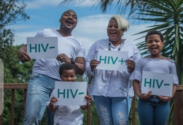 My parents are a discordant couple,my mum is HIV positive while my dad is HIV negative they have had this status for 30+years now.All I'm saying is don't let a HIV positive diagnosis prevent you from dating the person you want #UequalsU #tuesdayvibes #discordantcouplespic.twitter.com/Y9204ZdfeI