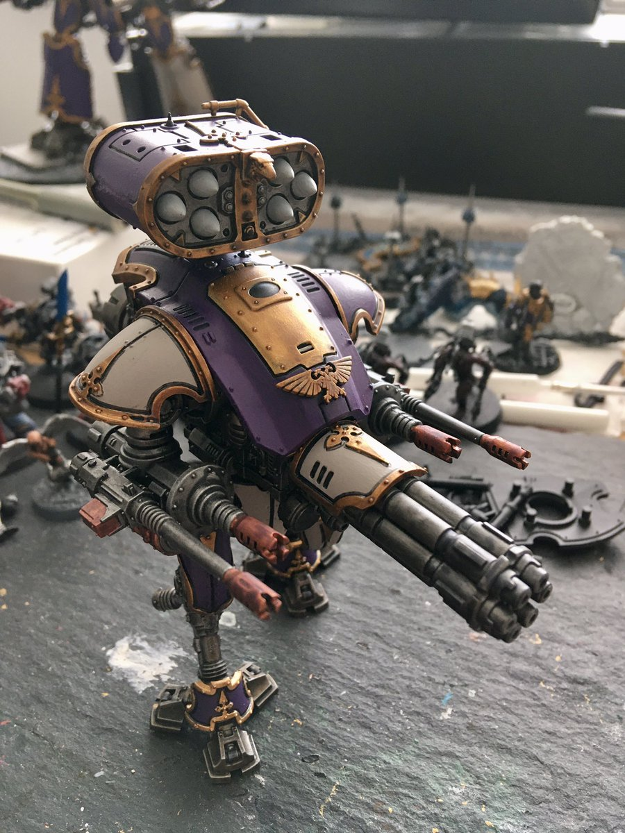 Nearly done and looking cool? Only some touching up, highlights and base to finish and  another robot is added.  #40K #30k #forgeworld #paintingforgeworld #horusheresy #gamesworkshop #GWbanbury #painting #gaming #warmongers #paintingwarhammer2020 #warhammerCommunity https://t.co/T8wiyKbbhK