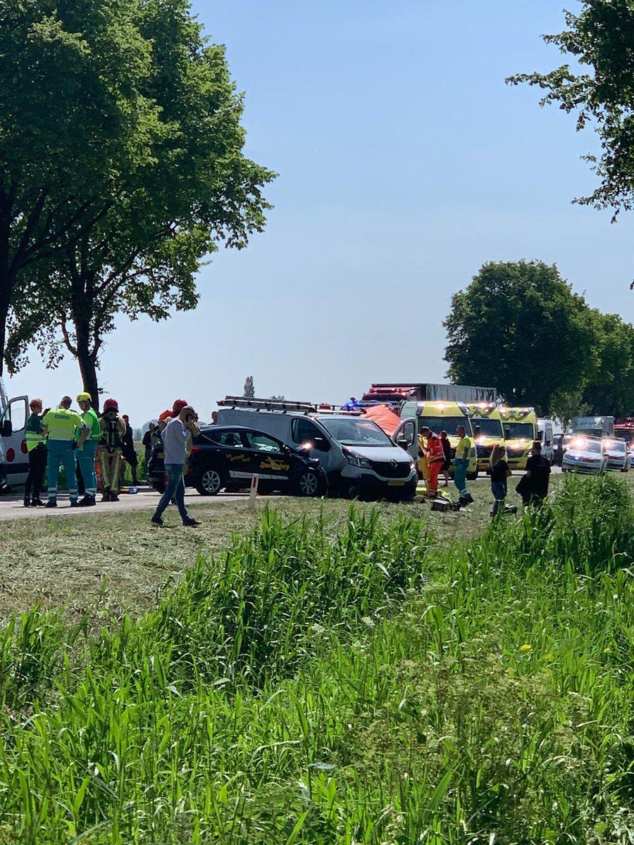test Twitter Media - Rijschool en busje betrokken bij zwaar ongeval op N247in Warder https://t.co/WRQYHF1UPj https://t.co/5WnqGw80VZ