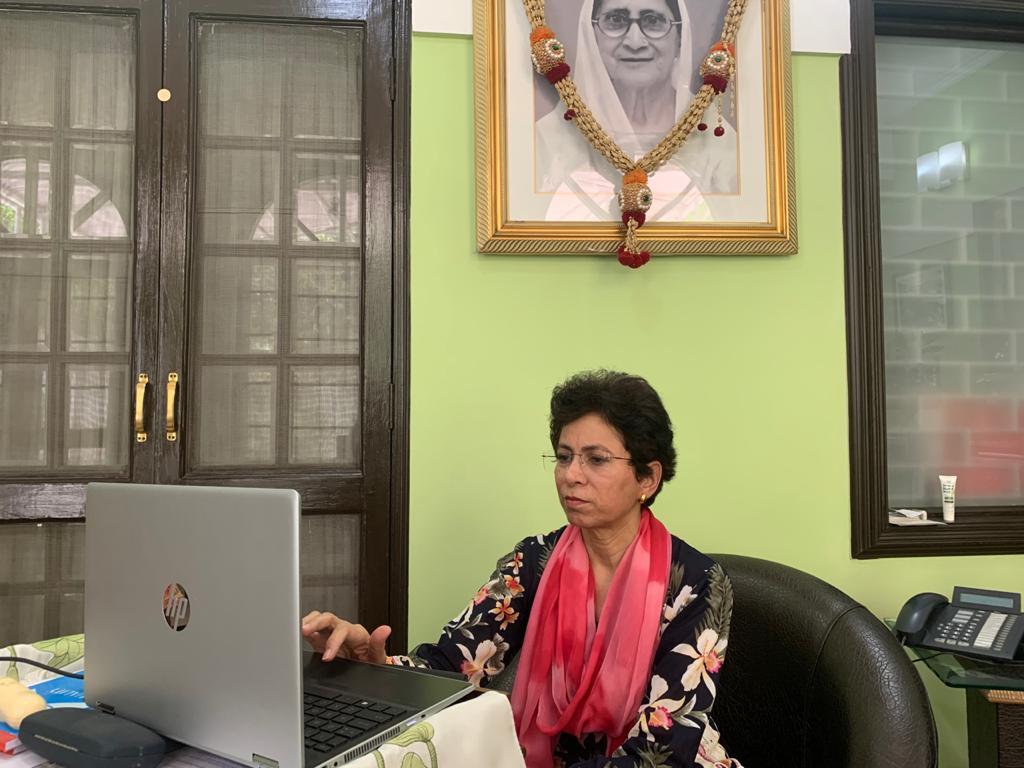 अखिल भारतीय कांग्रेस कमेटी के संगठन महासचिव श्री @kcvenugopalmp जी की प्रदेश अध्यक्षों और विधायक दल के नेताओं के साथ हुई बैठक में वीडियो कॉन्फ्रेंसिंग के माध्यम से हिस्सा लिया और पार्टी के सोशल मीडिया अभियान के बारे में चर्चा की।
