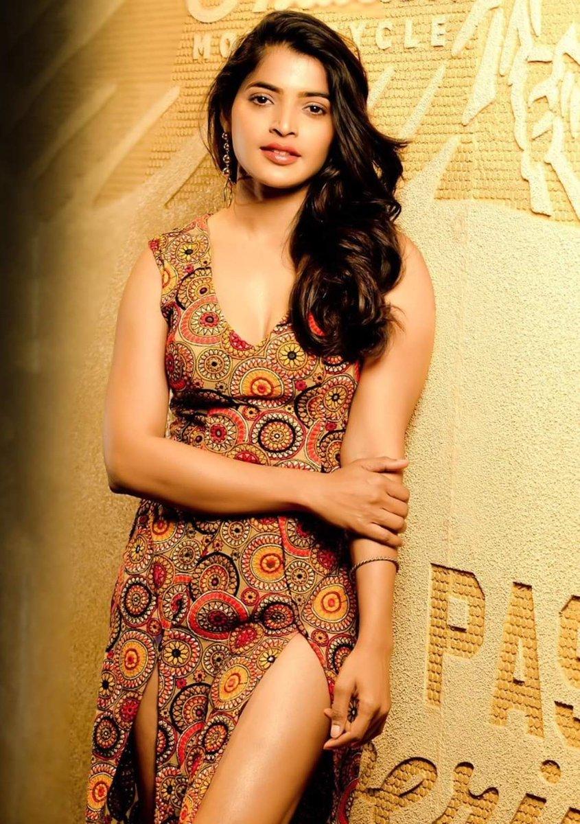 Fashionable Beauty #sanchitashetty Ma'am Latest Photoshoot Snaps #Sanchita #kollywood #tamilactress #KollywoodActresspic.twitter.com/uxbVZ2szYM