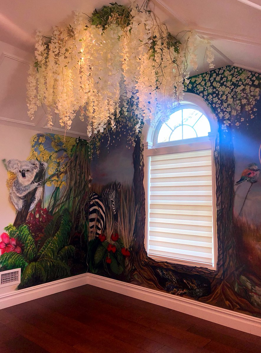 Just finished this NURSERY room!! Installation and mural all done by me  Safari Fantasy  <br>http://pic.twitter.com/3cwvUbJco5