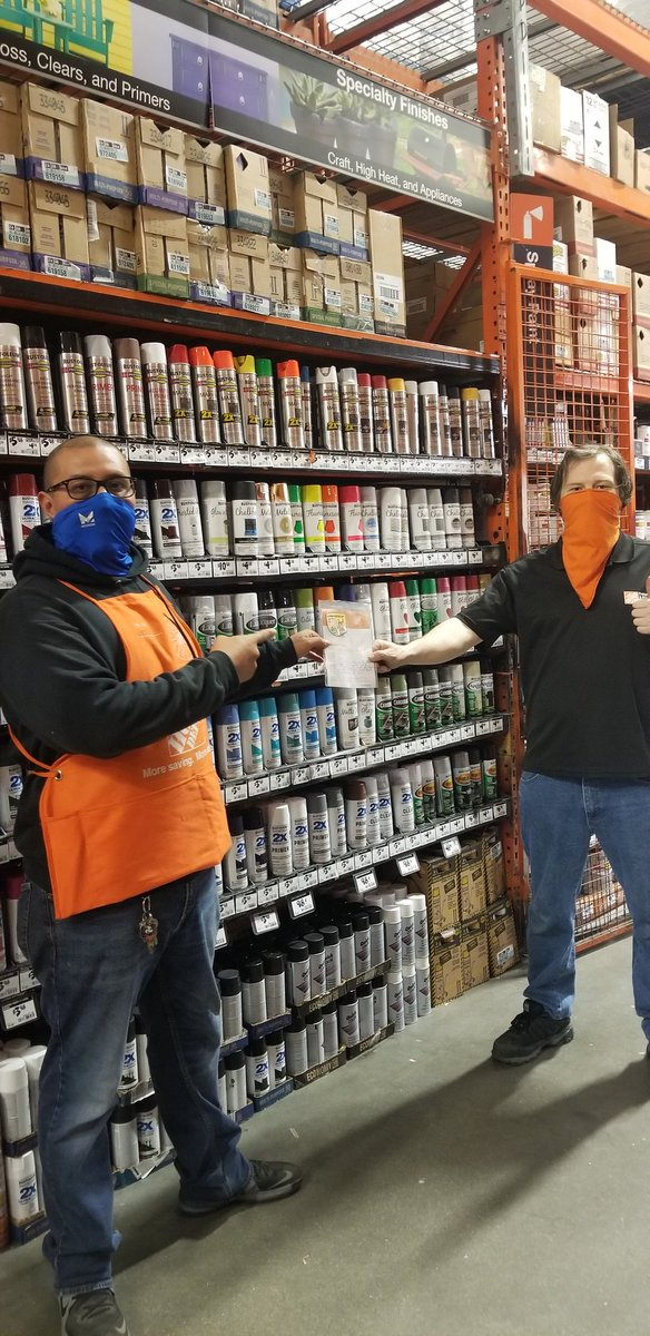 Thank you Phil, for working freight and all you do every night with integrity and in down time packing down paint keep up the great work sir!!! #SocialDistance #StaySafe  #thehomedepot  Thousand Oaks store 6662!pic.twitter.com/VN4bOkqPjH – at The Home Depot