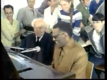 WATCH: Let's 'Boogie Woogie!' Ray Charles plays alongside #Israel's first Prime Minister David Ben-Gurion in the dining hall of Kibbutz Sde Boker in 1973. pic.twitter.com/KzpTnACMej