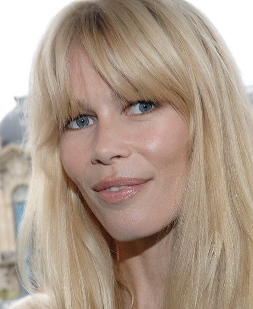 #ClaudiaSchiffer #Exclu #Interview #LCVMagazine  Instagram : @lcv_magazine  @claudiaschiffer répond aujourd'hui aux questions de @carole.schmitz sur https://t.co/Ff3TCSIrnm 💛 #mode #topmodel #decoration #objets #papillons #vistaalegre #bordallopinheiro #claudiaschiffer https://t.co/VDaHyxiWyu