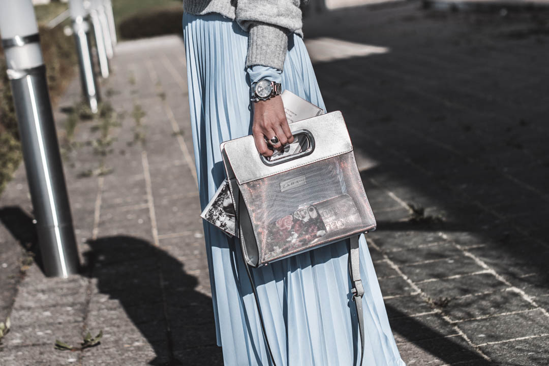 Shopping Guide — Das sind die schönsten Plisseeröcke auf einen Blick https://t.co/G6othH1j7W [Anzeige] #fashion #fashionblogger #ootd #outfit #blogger #PetiteFashion #Trend #mode #lookbook #summerfashion #juliesdresscode #sommer #summer #throwback2018 https://t.co/8PDsVknWqu