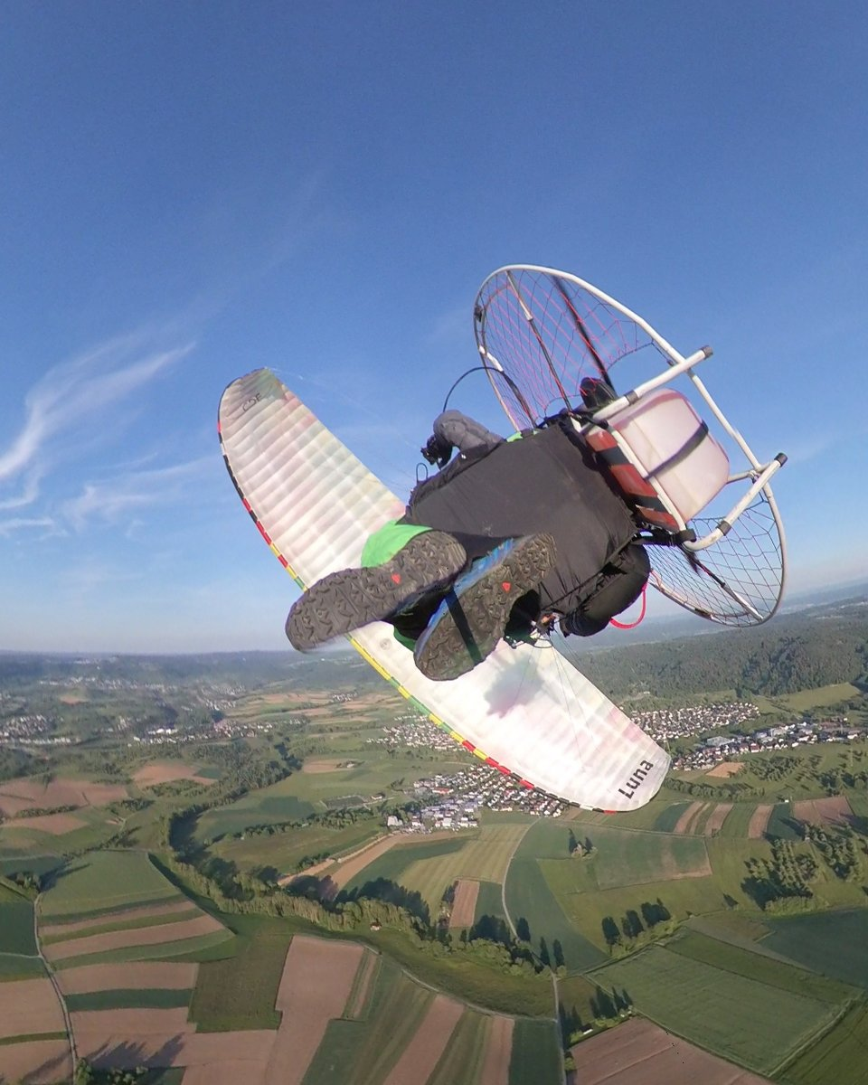 Chasing my shadow after weeks of Corona lockdown on my @flybgd #Luna2 and @fly_products #Rider pic.twitter.com/zHsFCiD0Z8