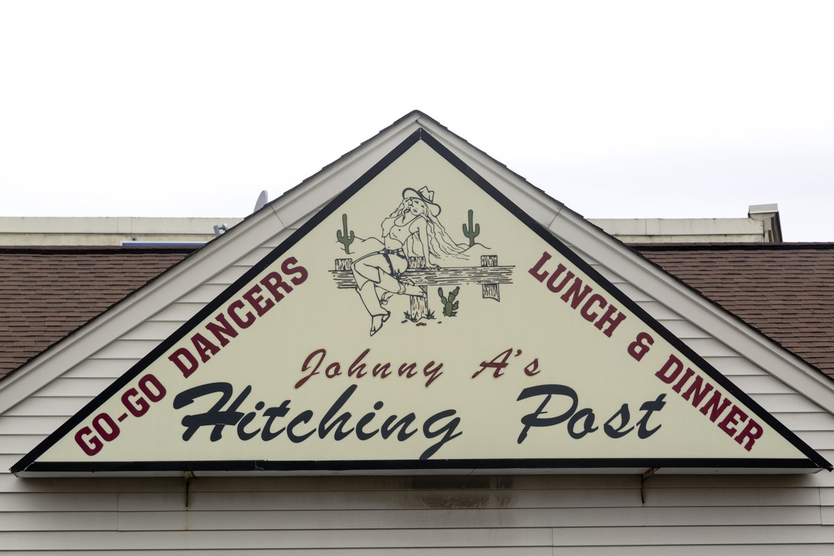 Johnny A's Hitching post! Santized And Ready for You! Stay Tuned For Our Grand Re-Opening Date! pic.twitter.com/xNGFX1uu5H