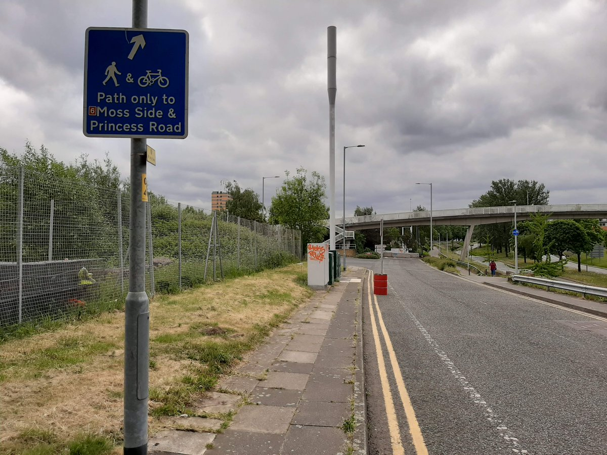 """Iain Roberts on Twitter: """"Cycling on Manchester's Princess Road ..."""