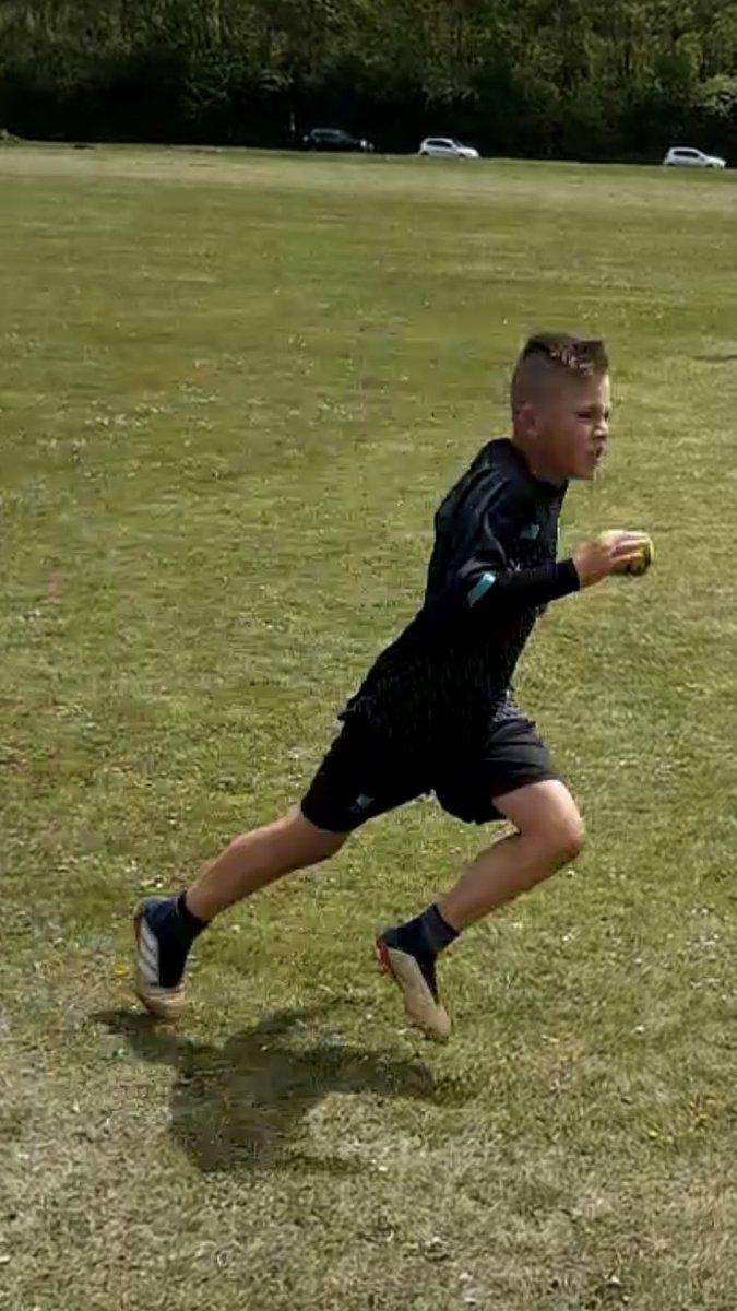 Working extra hard to improve my speed fitness and stamina #HardWorkPaysOff #Boom @LFC #YNWA #BGB 🔥🔥🔥 https://t.co/ET3YQpuZKo