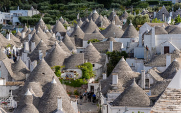 KICK UP YOUR HEELS IN ITALY'S HEEL  What really separates Puglia from every other region in Italy – is its trulli dwellings. A stone beehive-like building that reminded me of Greece's beehive tombs of Mycenae  https://t.co/2D2eK7mO0d  #travel #puglia #apulia #alberobello #italy https://t.co/Aa7PmuHiL6