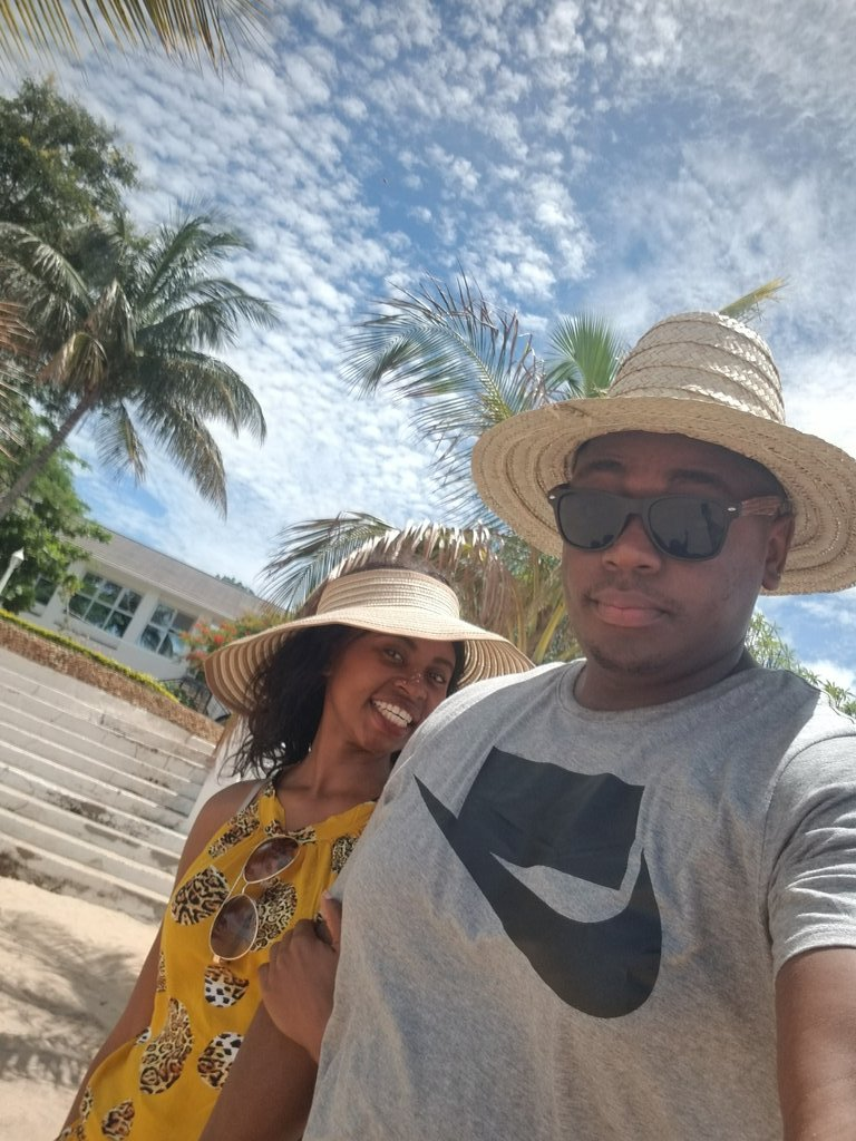 Amalawi anzanga, kindly #like and #retweet this post for a chance for us to win a weekend at @sunbirdtourism!!!  #SunbirdIsSafe #SunBirdIsOpen pic.twitter.com/w7G3pU0CCJ