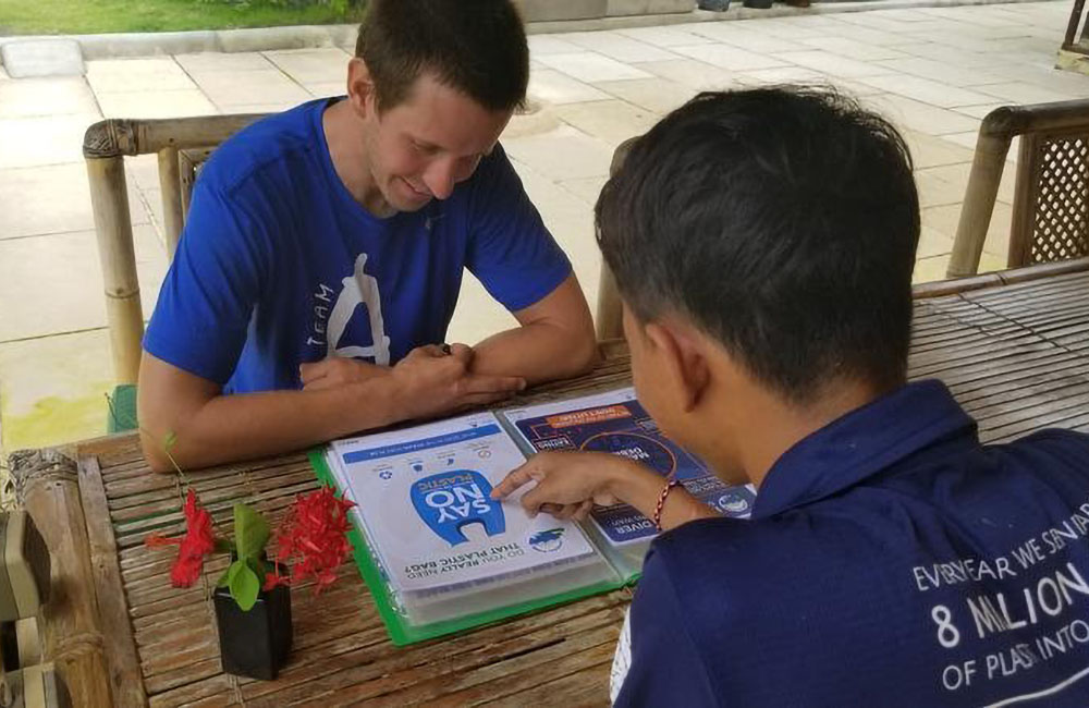 @CeninganDivers has released their online Education Centre, which include conservation workshops, environmental best practices and the teaching of @PADI courses and Project AWARE specialties. https://t.co/OXntogjLMZ  #100AWARE #AWAREcommunity #TogetherAWARE https://t.co/gXQgbEgnF4
