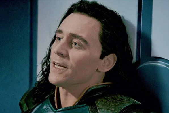 Tom Hiddleston - Thor Ragnarok. <br>http://pic.twitter.com/pBPrzQ1w5n