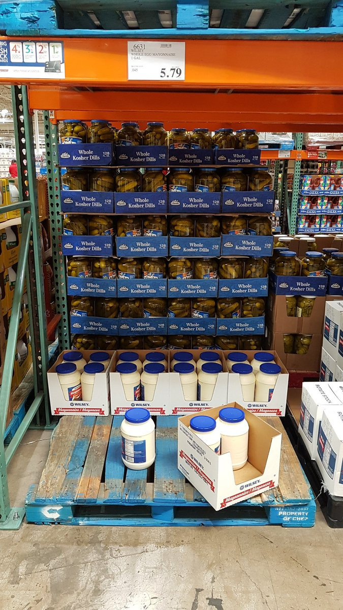 BREAKING 🚨  Mayo has been selling out at a Costco for some reason 🤔  #TeamMayo #Splatfest #RememberSplatfest #DoYouRememberSplatfest #IRememberSplatfest #Splatoon2 #Splatoon2JustBecauseItsRelatedToTheGameSomehow #MoreTagsMoreClout