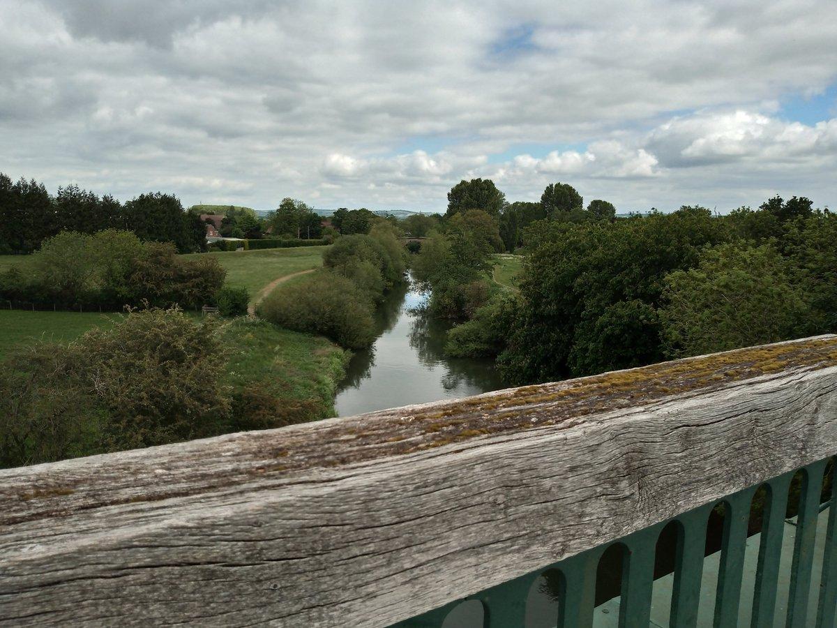 """A Beautiful Walk By Stamford Bridge""  #nature  #Yorkshirepic.twitter.com/OemZXbyYFA"