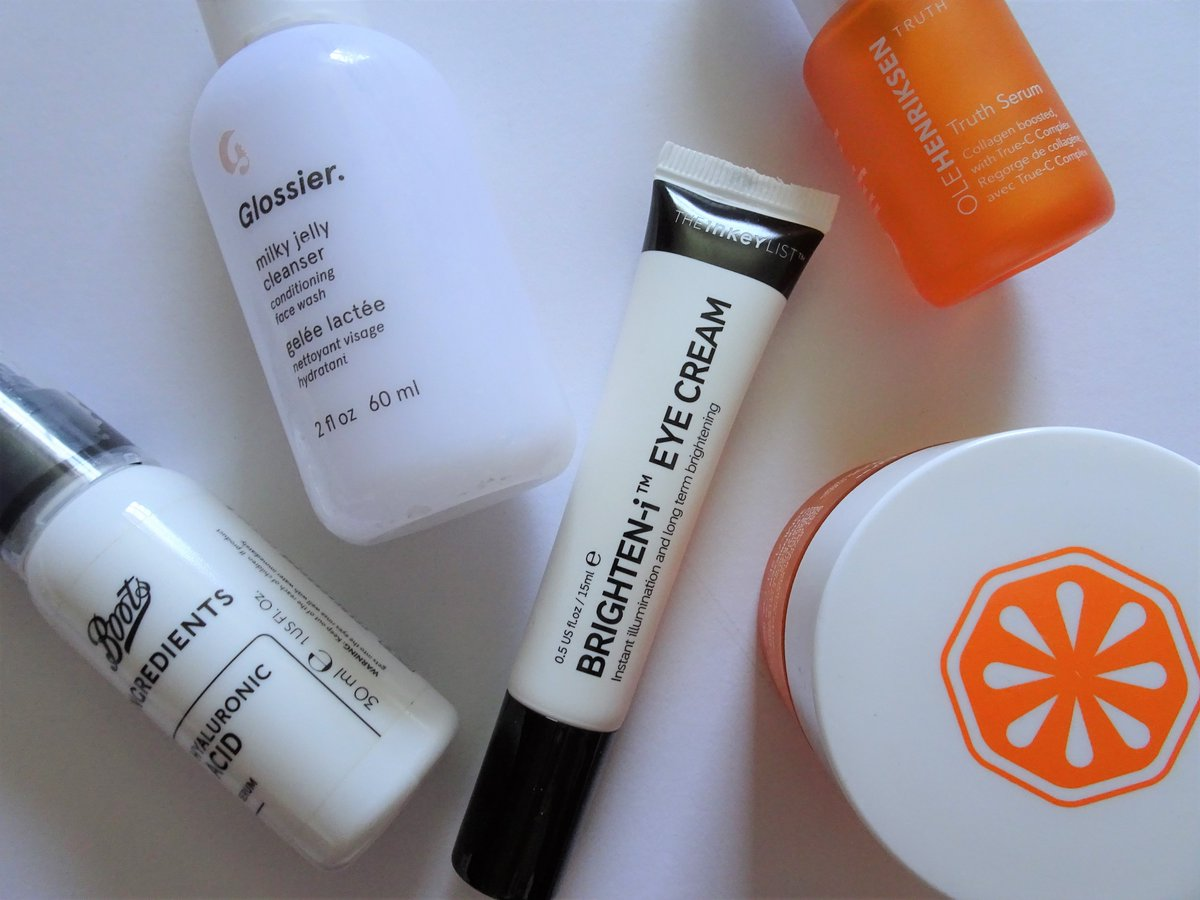 New Blog Post  Today I am sharing my morning skincare routine   https://sophaarambles.blogspot.com/2020/05/current-skincare-routine-morning.html…  #blog #blogger #beauty #beautyblogger #skincare #skincareroutine #skincarereview pic.twitter.com/sO4Qhf1mEr