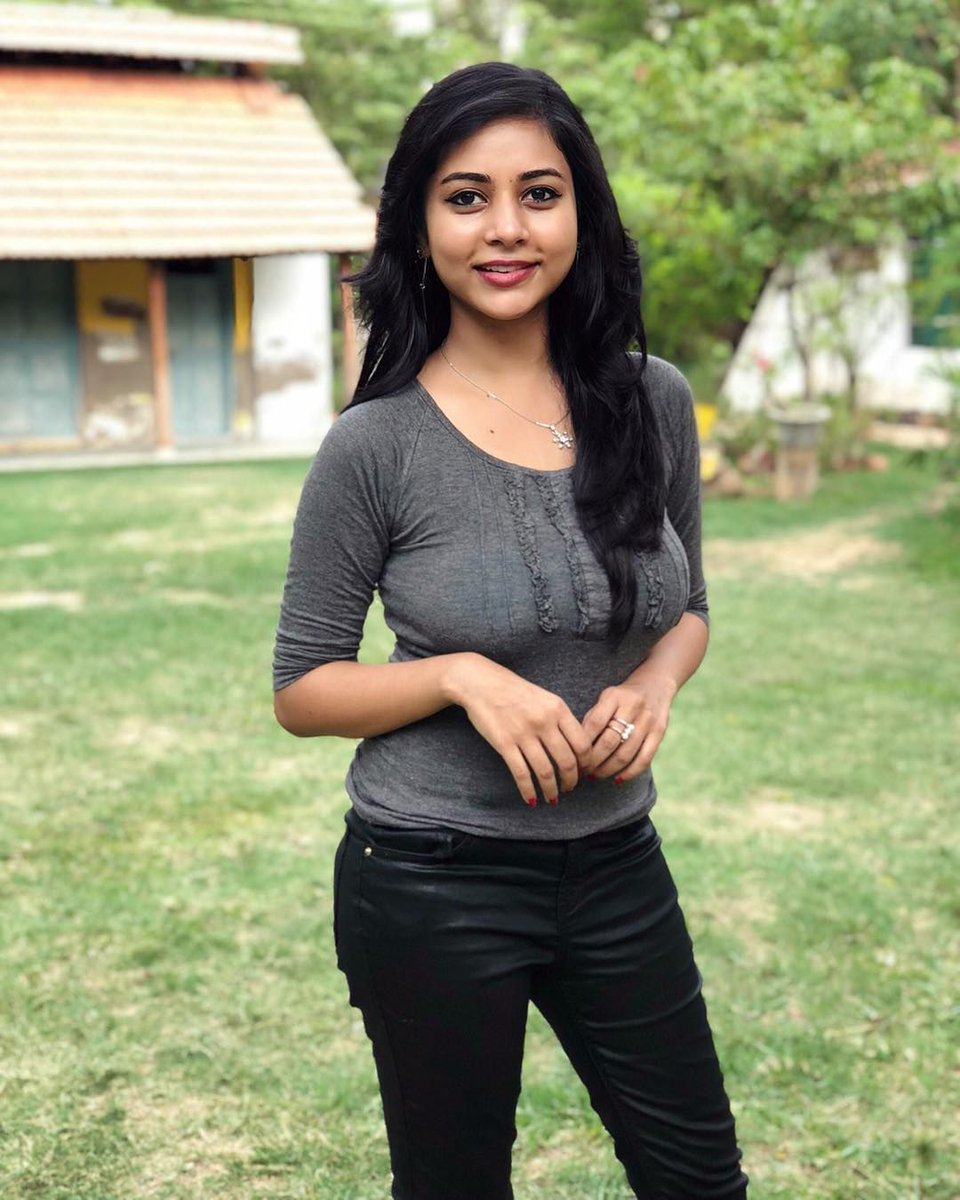 #Edhirneechal and #Veeram Girl, #SuzaKumar.  . . . . . . . . .  #kollywood #tamil #thalapathy #tamilcinema #ajith #vijay #thala #yuvan #tamilactress #tamilsong #tamilmemes #tamilbgm #nayanthara #kerala #tamilmovie #samantha #dhanush #tamilsongs #bgm #suriya #tamilnadupic.twitter.com/5RKp6ff4g1