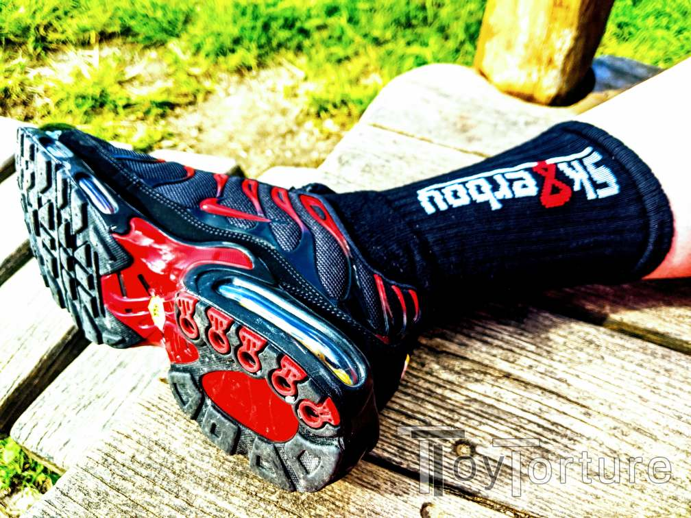 test Twitter Media - So, when I got new Sneax in April, do you remember me looking for Sox going with the red&black TN1? Well, what do you think about...  @sk8erboy_shop in BLACK 😱 I think the red 8 really pops and goes well with the Sneax' color pattern #FightMe https://t.co/QxBOOAuFj9