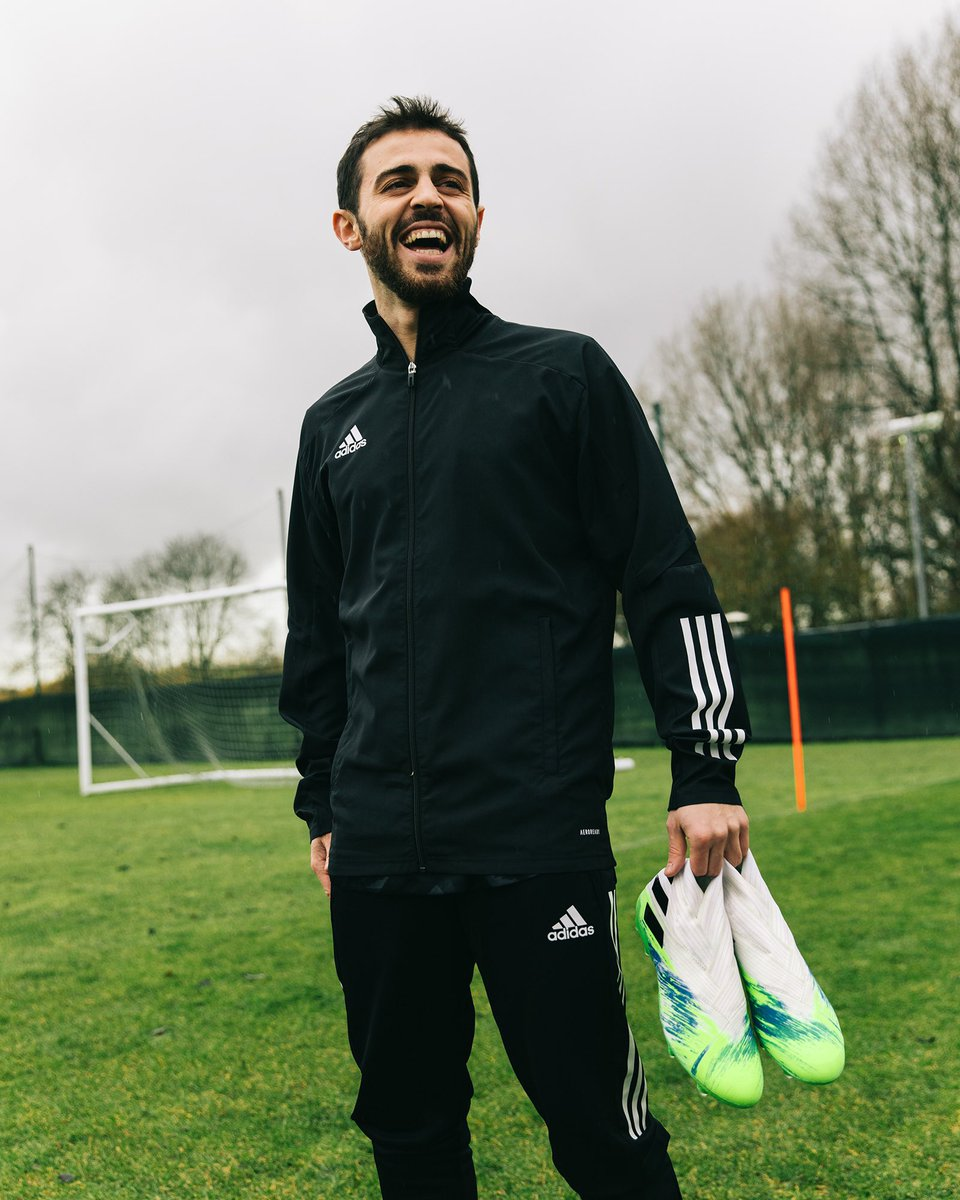 That feeling 😀👟 ⚽#Nemeziz @adidasfootball https://t.co/hoZ8K34P5t