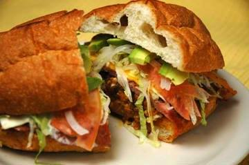 Don Chenncho has delicious, traditional Tortas! Whether you choose Buffalo Chicken, Carne Asada, Al Pastor, Hawaiiana, Pollo Tocino, Chorizo con Huevo, Chorizo, Ham and Cheese or Cubana, you'll get the freshest Torta around!  618-709-7300 #traditional #tortas #Mexicanfood pic.twitter.com/oGkhEOsj7D