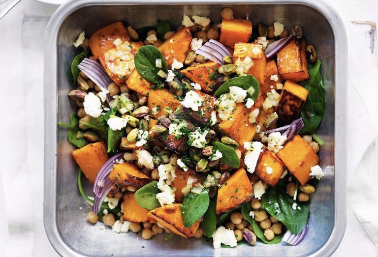 Try this roast pumpkin and chickpea #vegetarian salad for a #healthy #dinner recipe. Our super easy gluten free #recipe makes an ideal midweek meal for the family. Plus, it's low in calories, too #HealthyLiving #weightloss #Diet #tuesdayvibes #Food #Foodie #Cooking #fitfam #Likepic.twitter.com/sfmkYYLPti