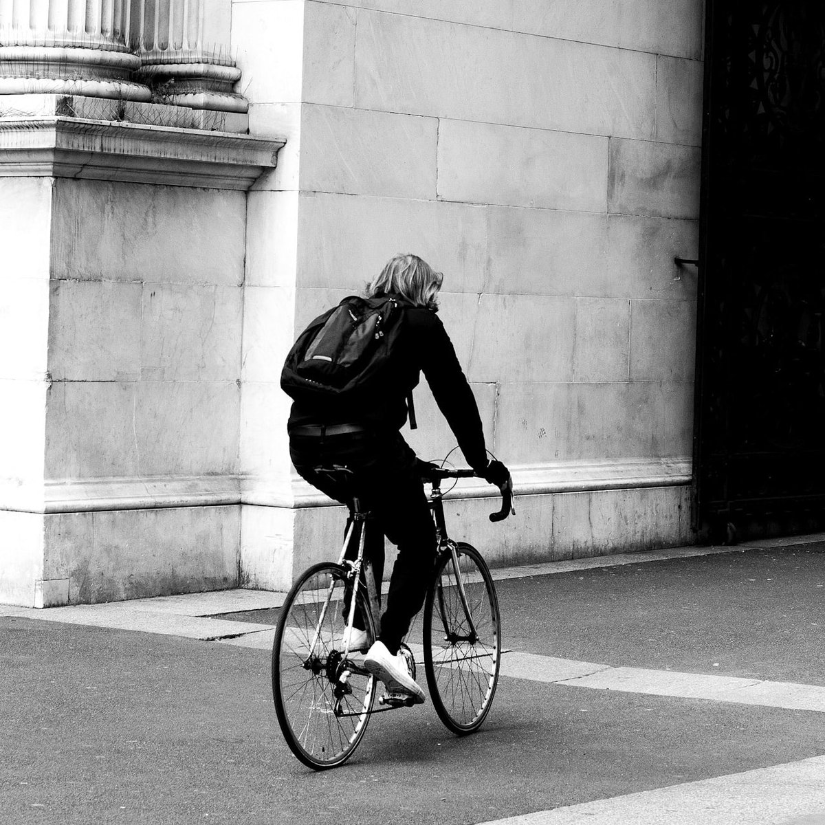 Cycle life...  All about black and white  #blackandwhitephoto #photography #streets pic.twitter.com/l9NlOy8V08
