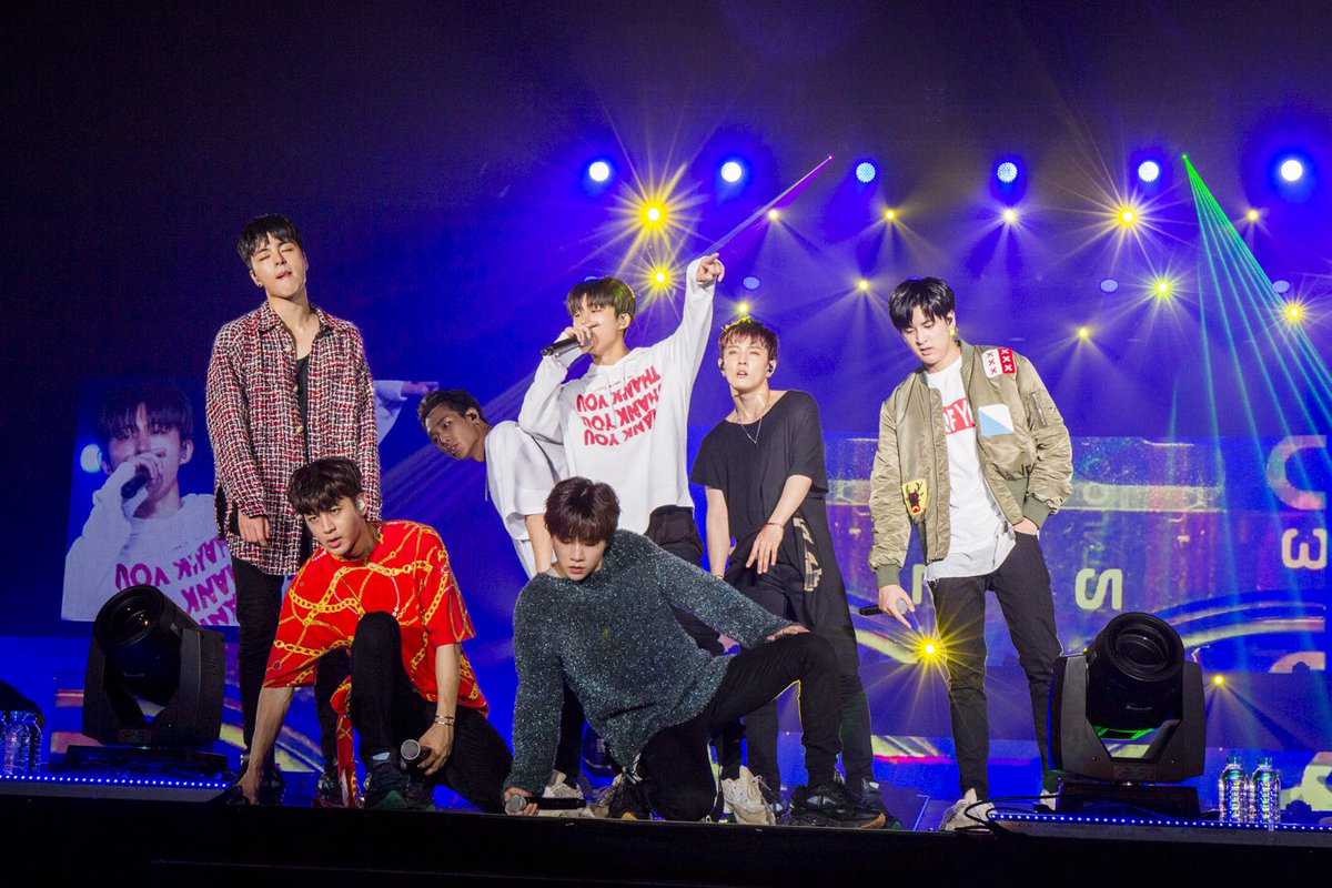 RT @JINHWANVIBE: i know im not the only one missing iKON as ot7 on stage. let's share the pain and agony shall we? https://t.co/qZ2l9S3mek