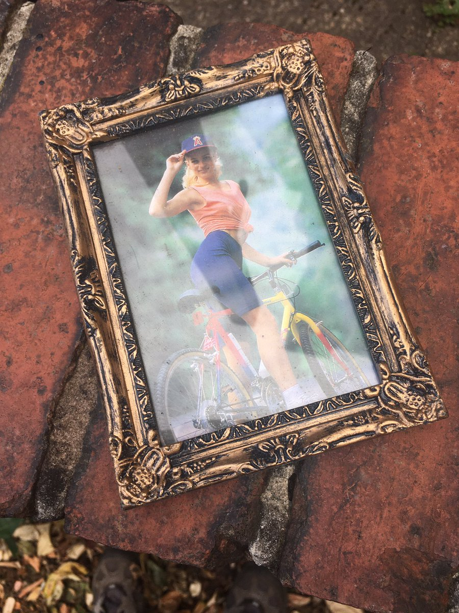 Found this lovely framed picture on our garden wall today. No idea who left it there. Was it you? 😂