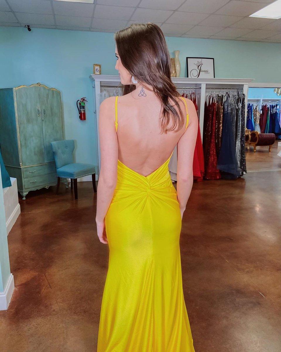 😘 Proof that there is no need to sacrifice comfort to look amazing!  📸: @occasionsofhattiesburg  For style information, visit: https://t.co/jCk3tbzDUl  #repost #alycegirl #alyceprom#yellowdress #longdress #bestdresses #eveningwear #formalwear #bodycondress #designerdresses https://t.co/Su2oVbLL9U