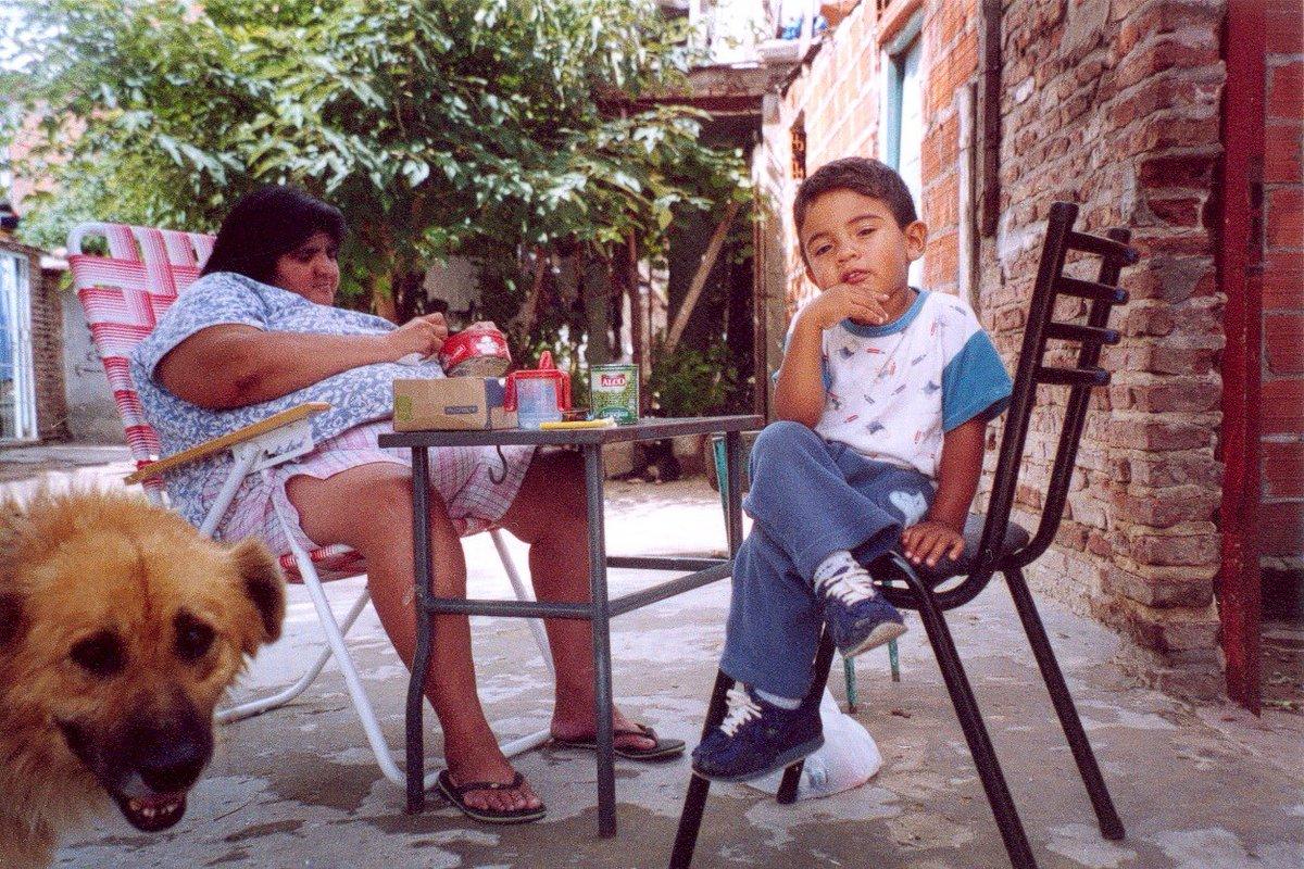 // PH: Morena Sosa // Ciudad Oculta // 2006  #fotografiaanalogica #film35mm #color #archivo #conservación #preservación #ph15  #20Años