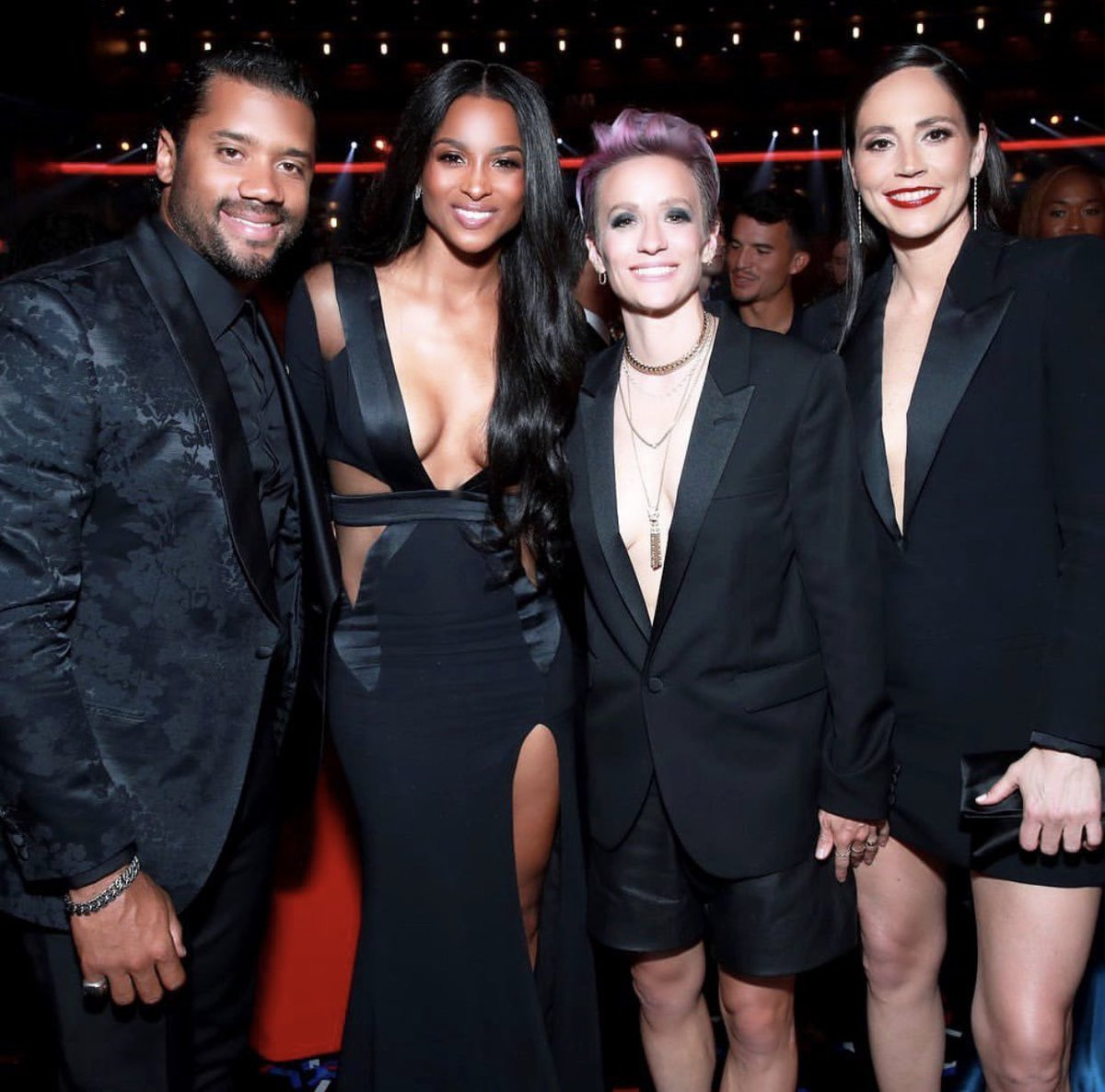 CONGRATULATIONS TO MY BABY @DANGERUSSWILSON ON HOSTING THE @ESPYS WITH THESE BOSS LADIES @MPinoe & @S10Bird💃🏽 https://t.co/SfoH8bwASJ