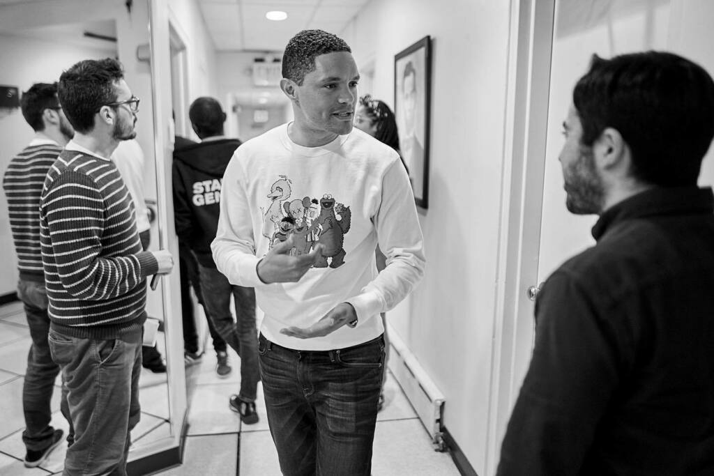 Pre-rehearsal, back in January. ...... #dailyshow #TDSBackstage #trevornoah #bealpha #alphacollective #sonypro #captureonepro #sigmaphoto #setphotography https://instagr.am/p/CAqFPdqpPQx/pic.twitter.com/oe9j0MZeiF