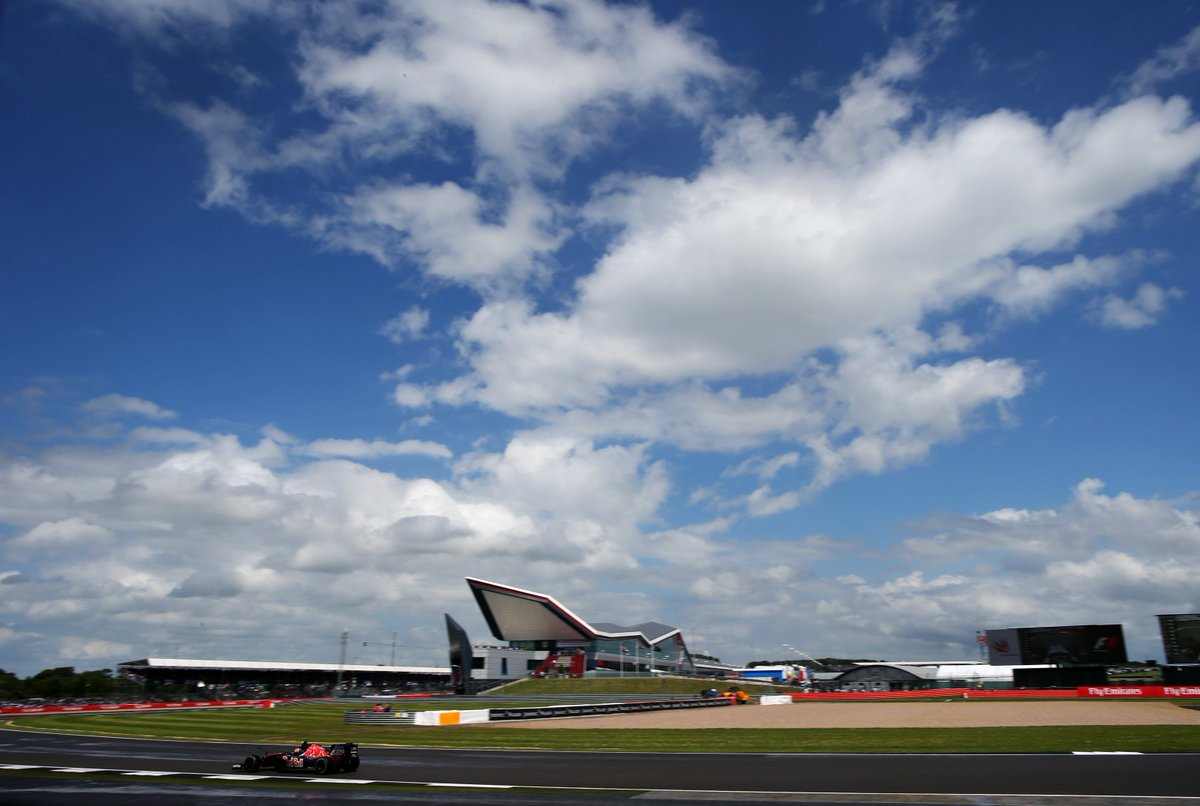 Silverstone open to change of dates if UK Government doesn't alter the quarantine rules but Prime Minister intervention and proposed idea of relaxed rules later on may keep it on provisional July-August date: https://t.co/GreOmlplBp #BritishGP #F1 https://t.co/r6wFZabHNA