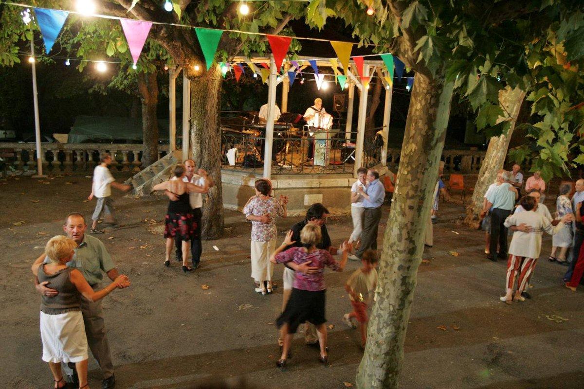 Le Covid envoie valser les #fêtes de villages https://t.co/nptrNu4wvY https://t.co/8npsrZWt45