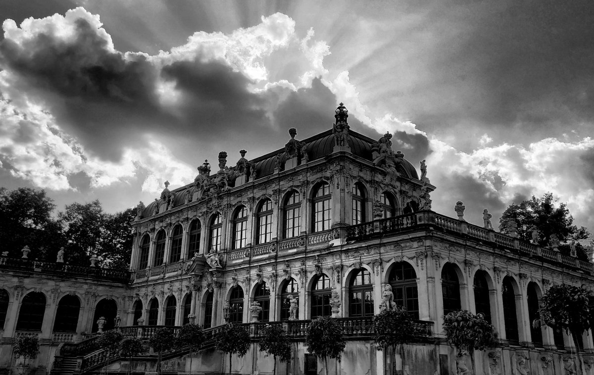 You don't know what you have at home until you get far away  #dresden #photo #photography #blackandwhite #monochrome #visit_dresden #stadt_dresdenpic.twitter.com/cSHZS8dCeW