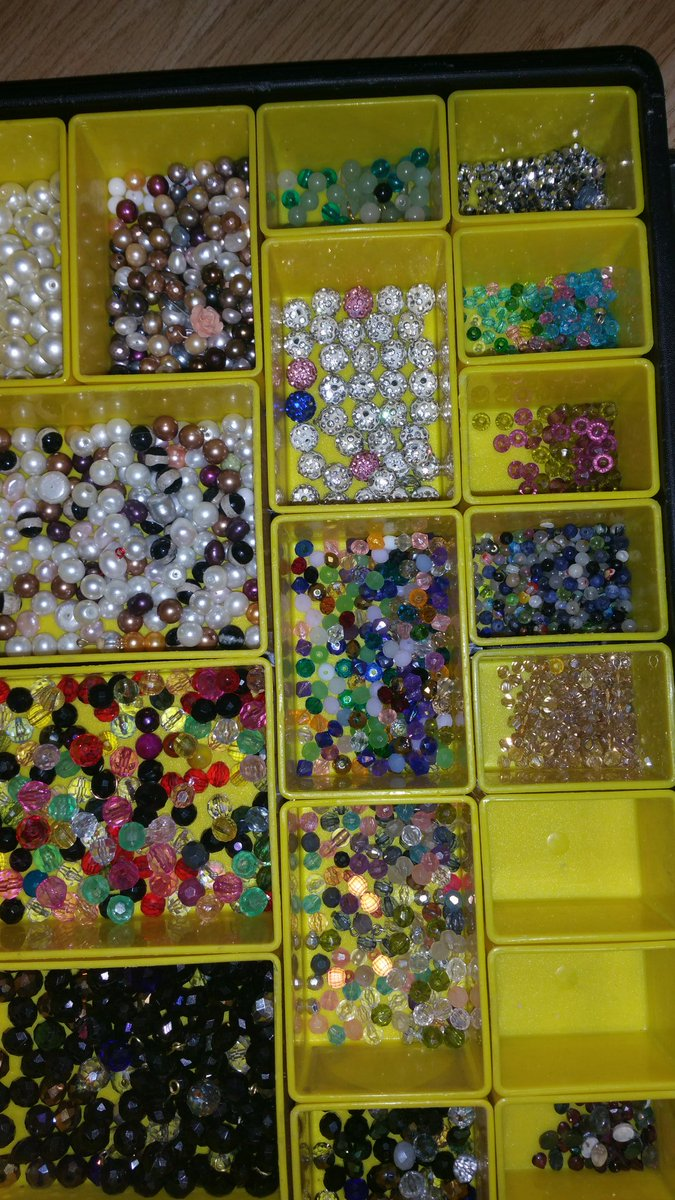 Jewellery making #jewelrytrends #Hobbies pic.twitter.com/XXQRD9Y1s0