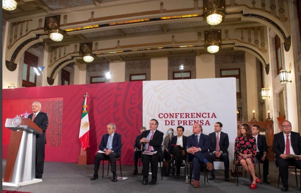 #ATENCION 30 mil médicos serán becados para especializarse en el extranjero. Anuncia el presidente @lopezobrador_ https://t.co/xN2QdutAyG