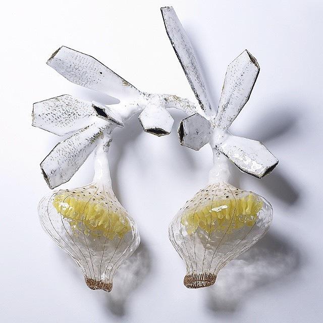 Seulgi Kwon  #contemporaryjewelry #jewellery #jewelry #joyas #joya #art #joyeria #jewels #jewel #jewelrygram #jewelrydesign #jewelrydesigner #jewellerydesigner #jeweller #jewellers #finejewelry #handmadejewelry #jewelryaddict #jewelrylover #jewelryoftheday #fashion