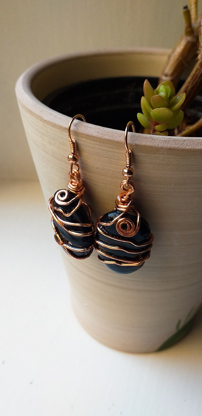 Sold!   Copper Coal Stone Earrings, a beautiful piece of history to wear forever.    #UKGiftAM #miningheritage #Mining #heritage #mininghistory #cumbria #northwest #durham #northumberland #madeinbritainhour #copper #stone #earrings #America #HandmadeInUK