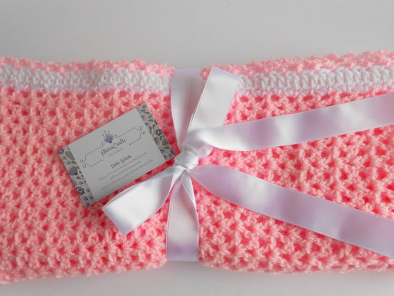 Crochet Baby Blanket in http://tinyurl.com/s8tf8wm via @EtsySocial #etsymntt #etsysocial #newmomgift #madeinIreland pic.twitter.com/H6N7bYmhS1