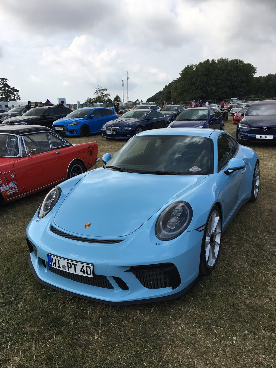 Touring anyone, love that colour.... GT3. Taken at Goodwood a year or so back.<br>http://pic.twitter.com/ybzb1VVkz8
