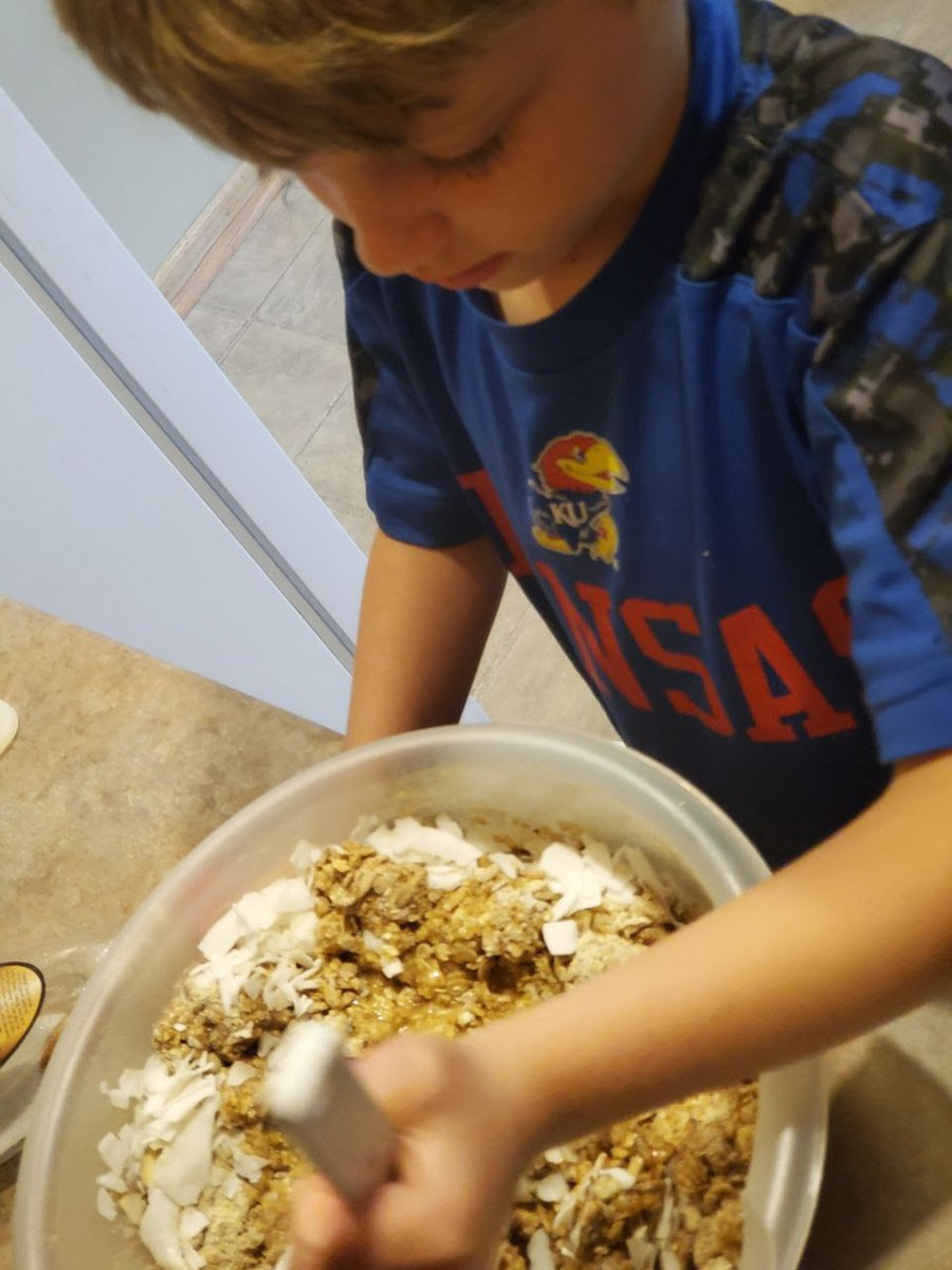 Houts & Home (with Amy Houts). My grandson making granola. I'm so happy he likes to #cook and #bake!pic.twitter.com/tbQbaRzeYT