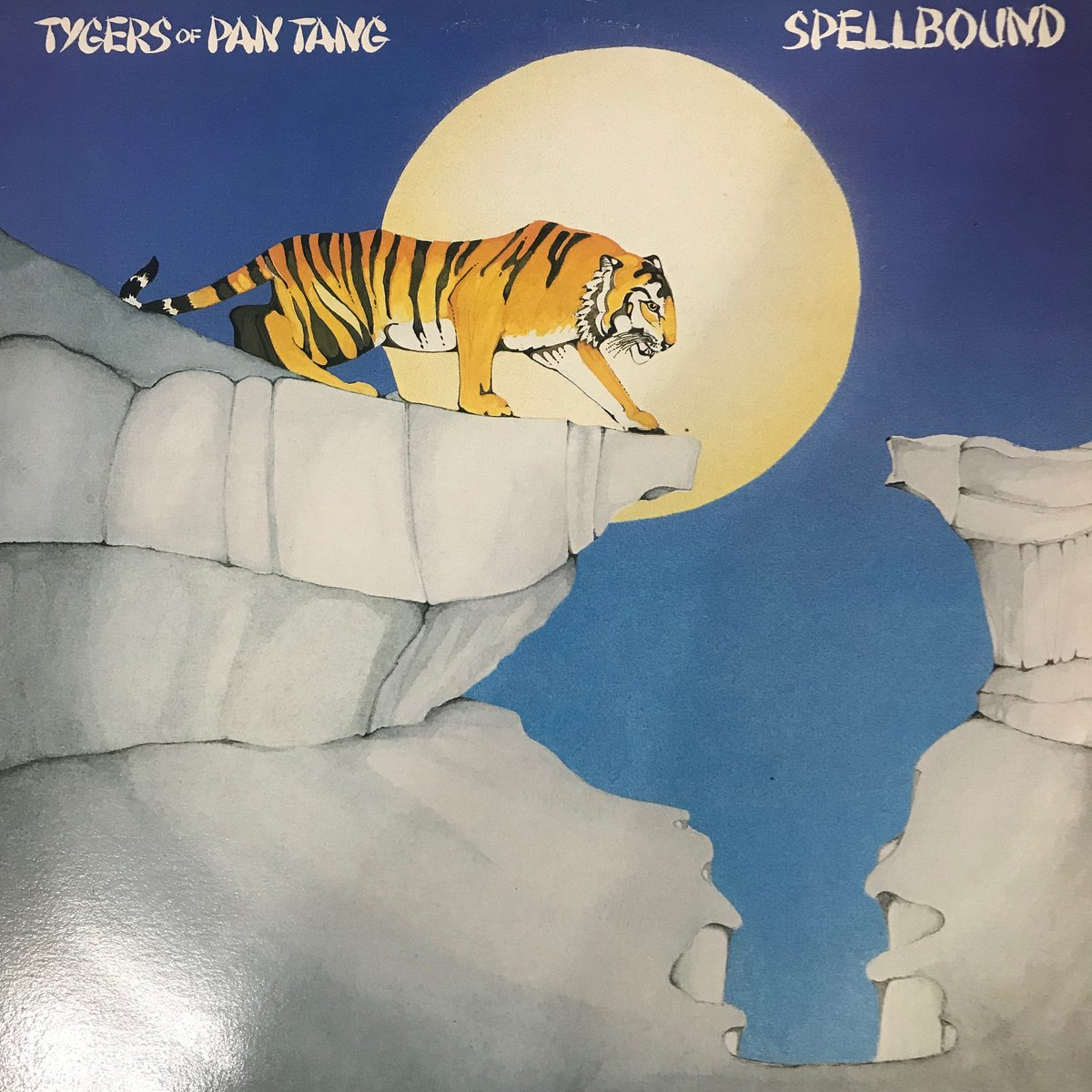 The 2 albums Sykes did with Tygers of Pan Tang were blistering slabs of guitargasm! pic.twitter.com/vL3xtPR5Hc