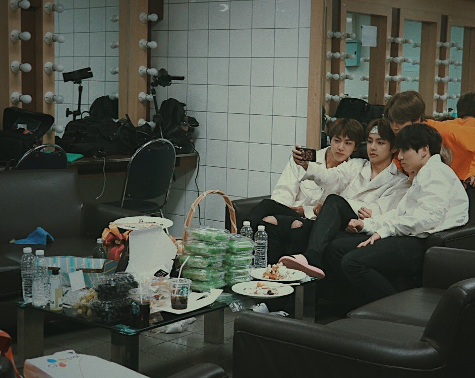 BTS squashed together on sofas is the cutest thing,!they look so tiny:(<br>http://pic.twitter.com/cTpENbhGFE