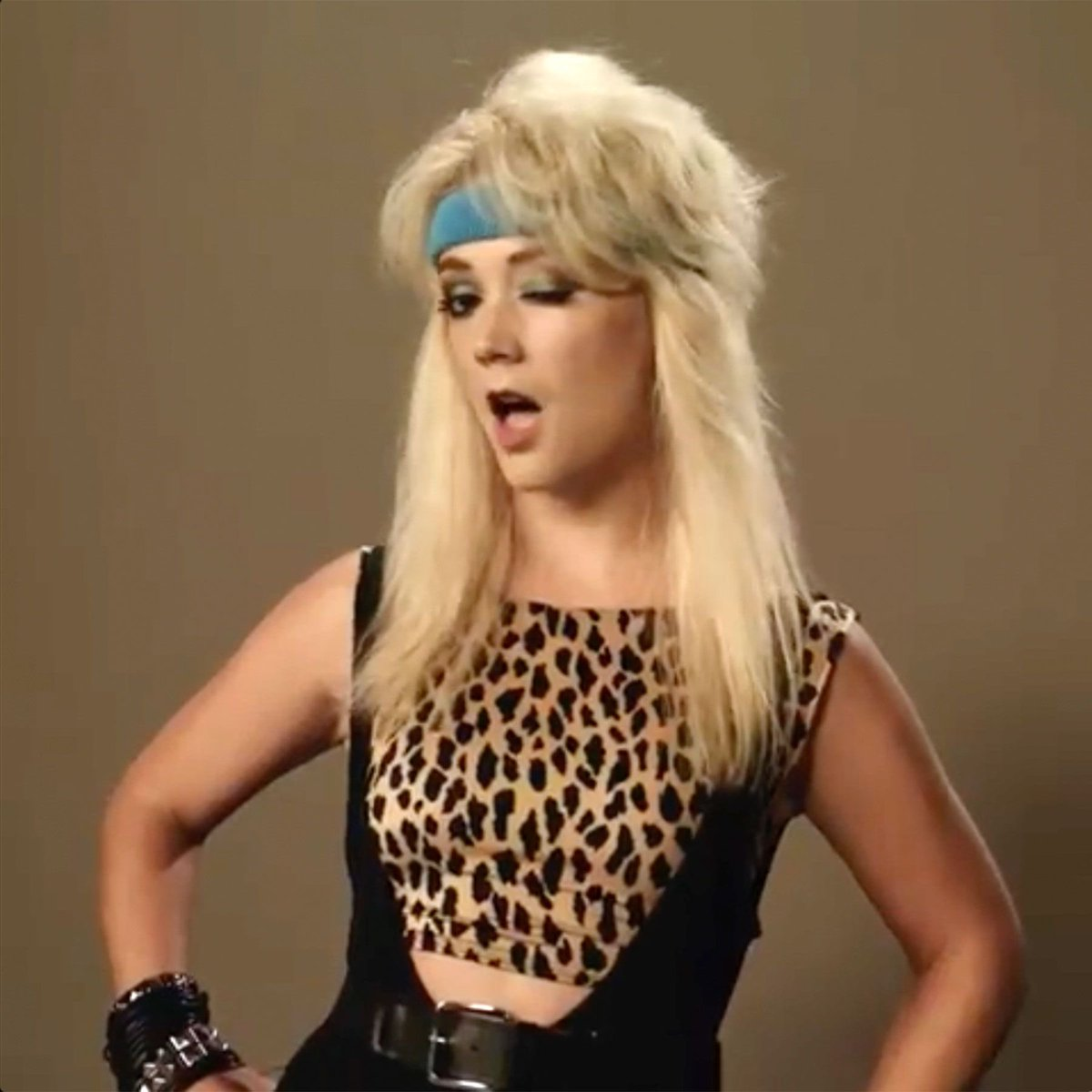 I just wanna look like Montana from AHS 1984 is ThT too much to ask for? <br>http://pic.twitter.com/D4XUuRsYkK