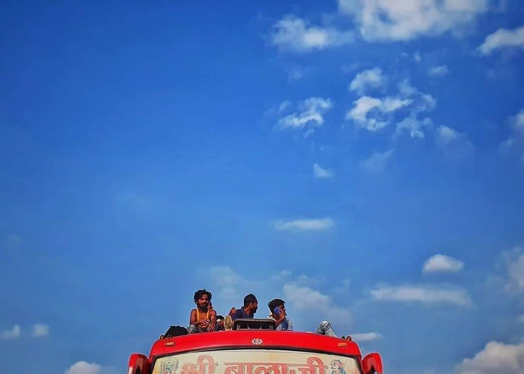 Lockdown 4.0, But Some things still the Same !! (shotonPhone) . . : insta id -@iamtejasvisingh .  Keep Loving & Supporting Us . . #lockdown2020 #photographersofdarbhanga #coronaindia #coronavirusoutbreak   #storiesofindia #postoftheday   #biharsehai #darbhangadiaries #biharpic.twitter.com/ckz4Xf86p6