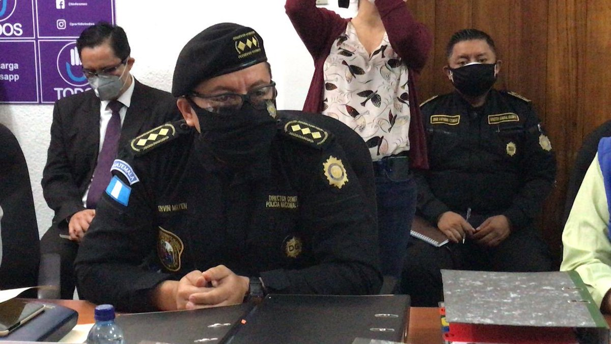 test Twitter Media - A su salida de una citación, el Director de la PNC, Ervin Mayén, dio a conocer que será sometido a una prueba COVID-19 porque tuvo contacto con un comisario de Jalapa que dio positivo. https://t.co/xCerD9Tnr3