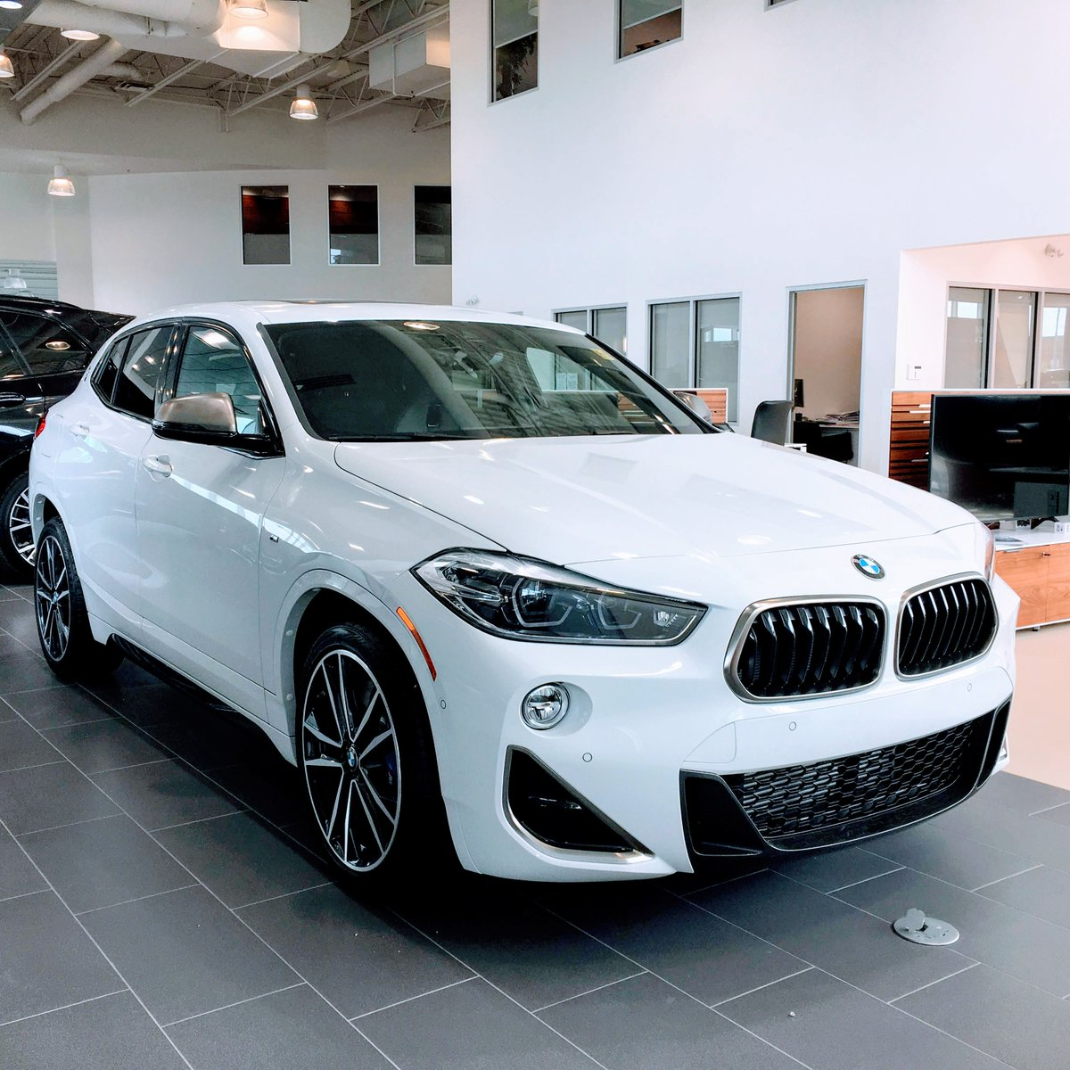 Leave the status quo behind in the BMW X2 M35i. Ask us about this unique crossover SUV. #yegBMW  http://EdmontonBMW.com   STK#0X26078 #BMWlife #bimmerlove #mtownpic.twitter.com/1WJVhR9JYh